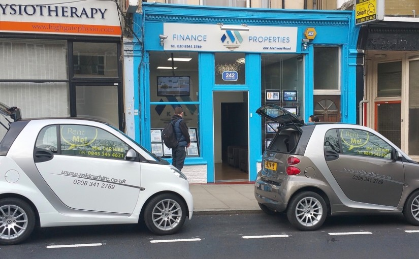 SMART CAR HIRE RENTAL LONDON. HIRE NEW 4 DOOR SMART CAR RENTAL in LONDON. BENTLEY CAR HIRE RENTAL LONDON, RENT 7 SEATER PEOPLE CARRIER Online Booking Rental